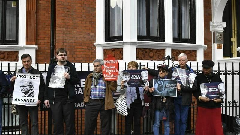 Battle Breaks Out For Assange U0026 39 S Computers Camden Haven